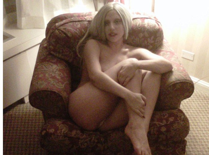 Lady Gaga : nue et lascive sur Twitter... Elle n'a jamais froid aux yeux !