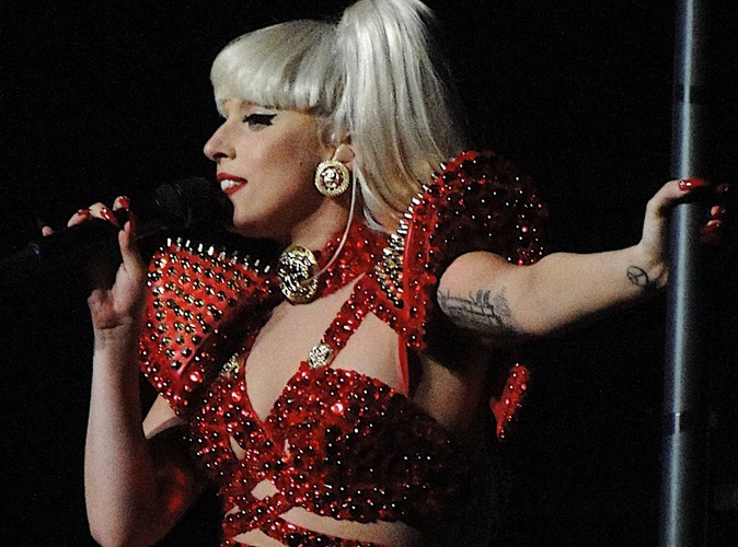 Lady Gaga : sa chorégraphe l'a lâchée car son univers devenait trop dark...