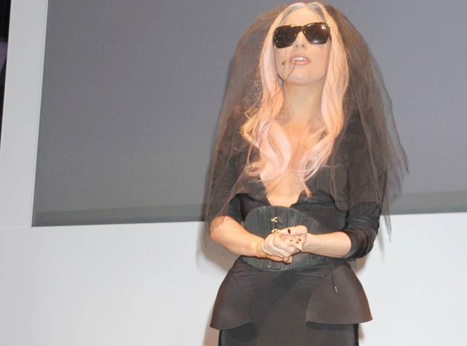 Lady Gaga trop inspirée de Madonna pour Born This Way ? La polémique enfle !