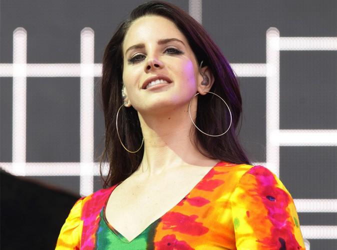 Lana Del Rey : La promotion canapé ? Elle a testé et ça n'a pas fonctionné !