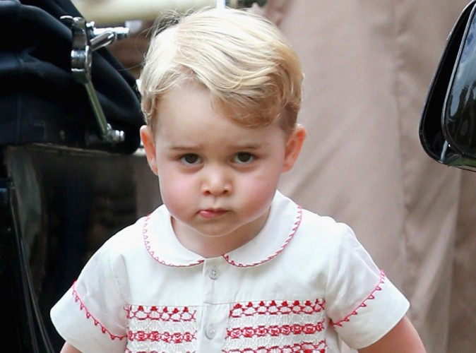 Le Prince George harcelé par les paparazzi, Kate et William tapent du poing sur la table !