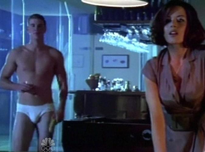 Liam Hemsworth : hot… ou pas, en slip kangourou !