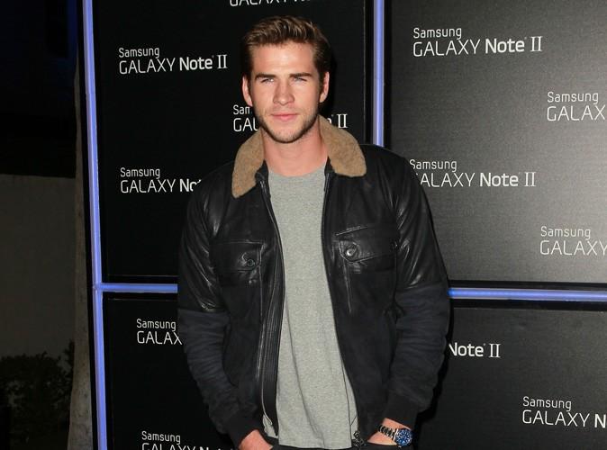 Liam Hemsworth musclé et sexy sous le soleil australien...bien loin de Miley Cyrus !