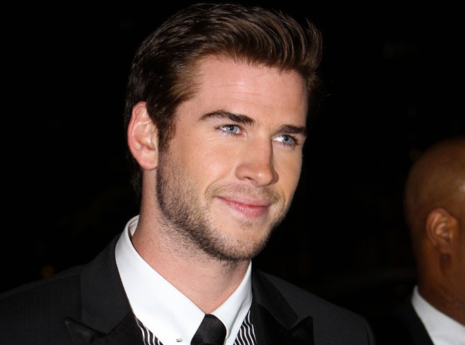 Liam Hemsworth : super canon pour son premier tapis rouge post Miley Cyrus !
