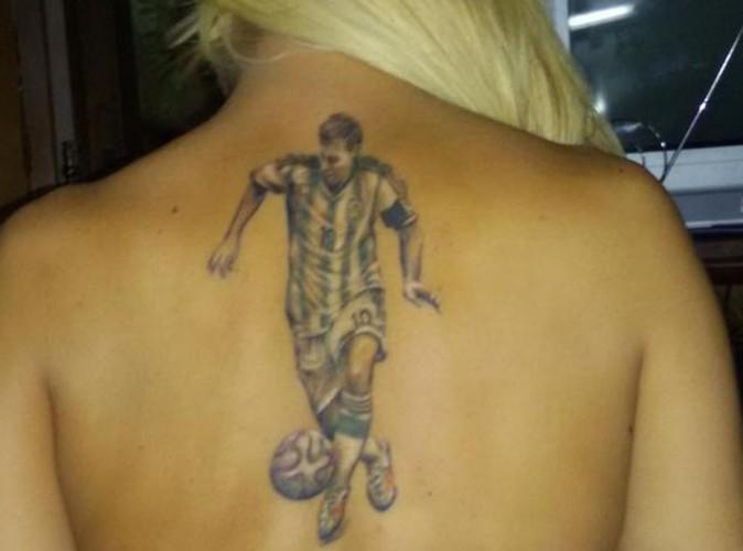 Lionel Messi : Une fan l'a vraiment dans la peau !