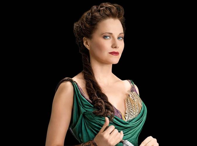 Lucy Lawless : la star de Xena et Spartacus arrêtée !