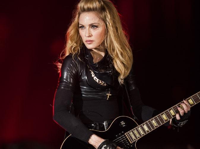 Madonna : l'un des camions de sa tournée se renverse sur l'autoroute !