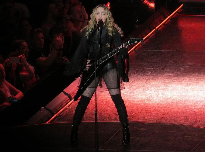 Madonna : la chanteuse boit de l'alcool en plein concert !