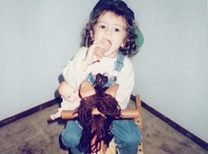 Mais qui est cette adorable petite fille ?