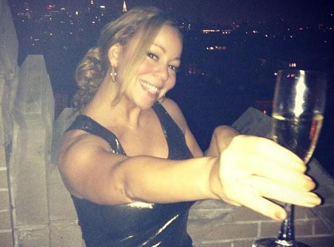 """Mariah Carey : elle trinque avec classe en l'honneur de son single """"Triumphant"""" !"""