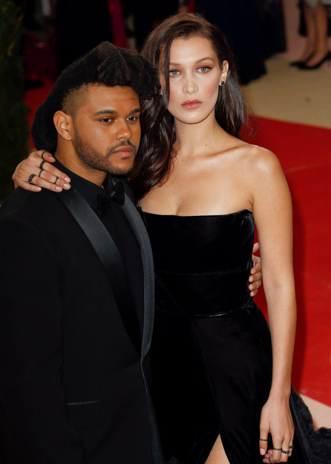 Met Gala 2016 : Bella Hadid et The Weeknd au Metropolitan Museum of Art à New York