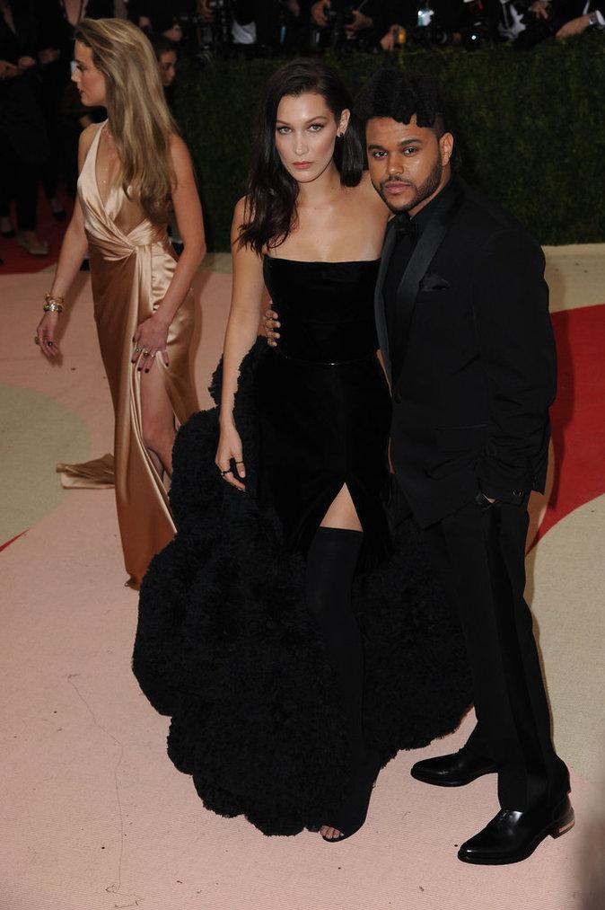 Met Gala 2016 : Bella Hadid et The Weeknd au Metropolitan Museum of Art à New York