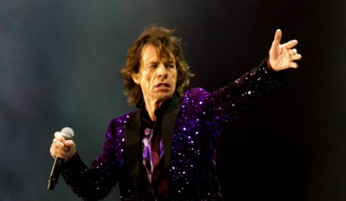 Mick Jagger : Le chanteur aperçu de nouveau en charmante compagnie, 3 mois seulement après la mort de L'Wren Scott !