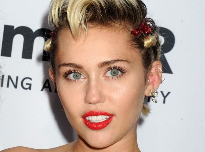 """Miley Cyrus élue """"végétarienne la plus sexy de l'année"""" !"""