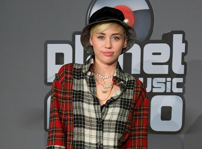 """Miley Cyrus : """"Les gens me voient comme une petite Blanche vulgos !"""""""
