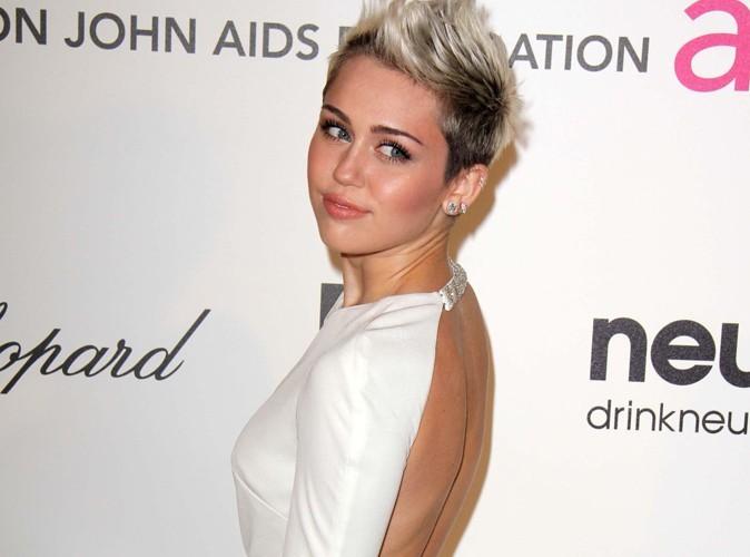 Miley Cyrus : quand Liam n'est pas là, la punkette bronze !
