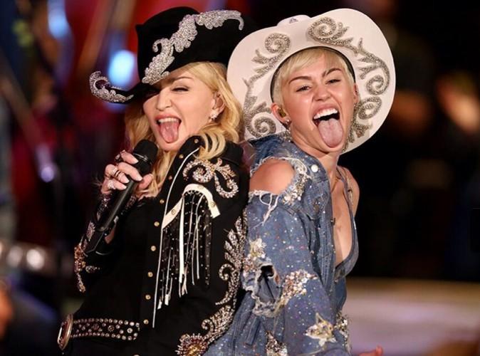 Miley Cyrus : trop fière, elle dévoile une première photo de sa performance aux côtés de Madonna !