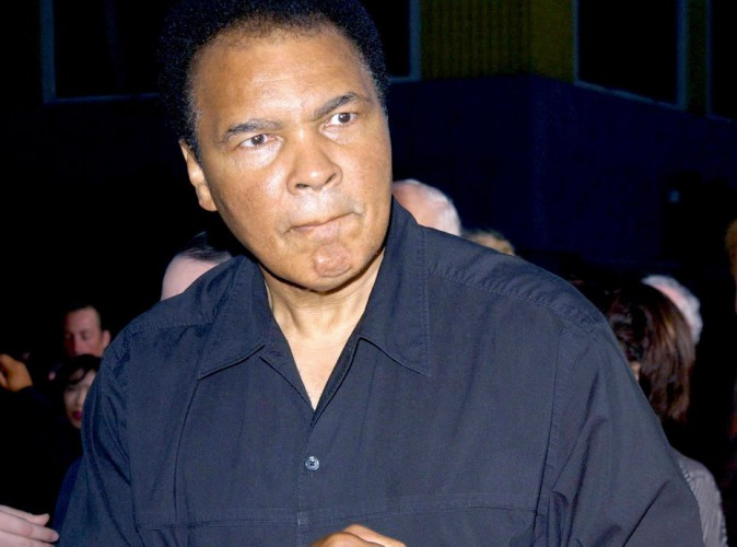 """Mohamed Ali : atteint de la maladie de Parkinson, le boxeur légendaire """"ne peut presque plus parler""""…"""