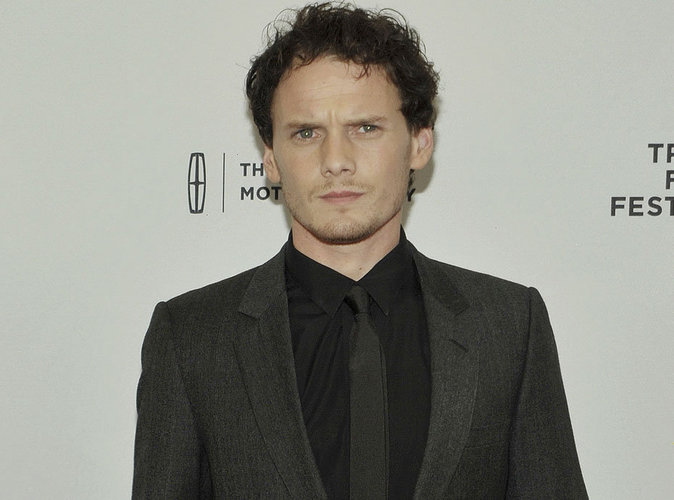Mort d'Anton Yelchin (Star Trek) : ses parents portent plainte contre le constructeur automobile Fiat Chrysler !