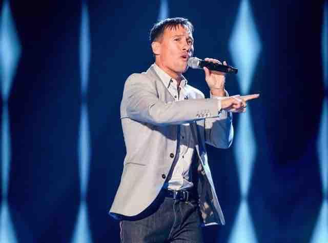 Nathan Moore : on a retrouvé l'ex membre de Worlds Apart... Dans The Voice !