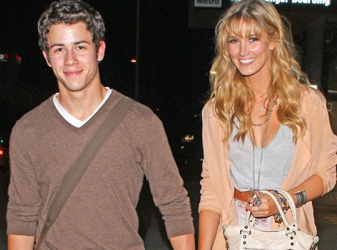 Nick Jonas : après ses vacances en amoureux, sur le point de se fiancer ?