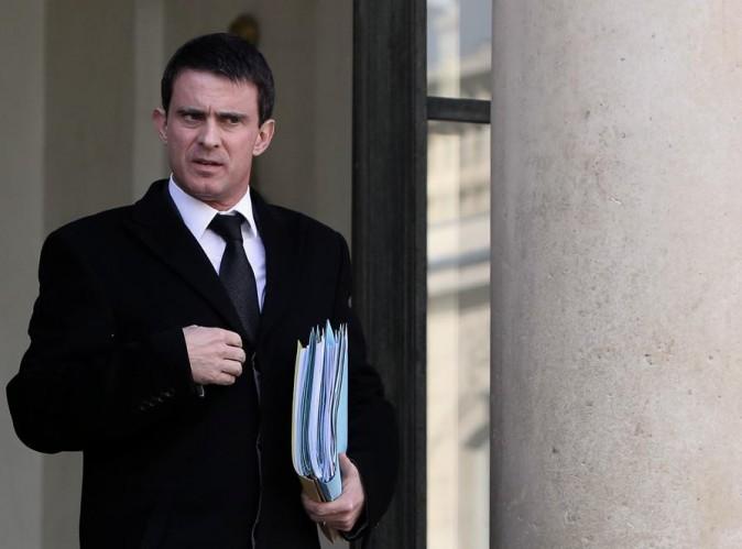 """Nicolas Anelka : Manuel Valls applaudit sa sanction qu'il juge être """"un signe important"""" !"""