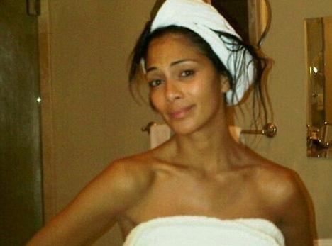 Nicole Scherzinger : comment la trouvez-vous au naturel, simplement couverte d'une serviette humide ?!