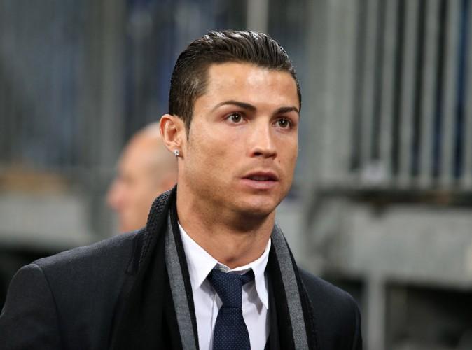 Non, Cristiano Ronaldo n'a pas donné 7 millions d'euros pour les enfants du Népal !