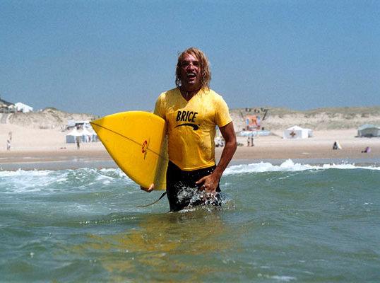 Offrez-vous la planche de surf de Brice de Nice pour la bonne cause !