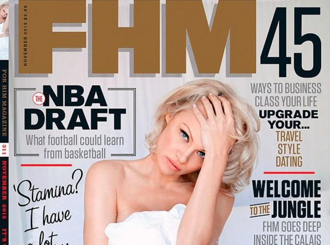 Pamela Anderson : à 48 ans et sex symbol nu au lit pour FHM !
