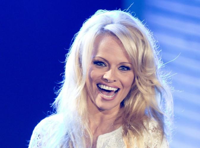 Pamela Anderson : la bimbo lâche ses escarpins afin de venir en aide aux Haïtiens !