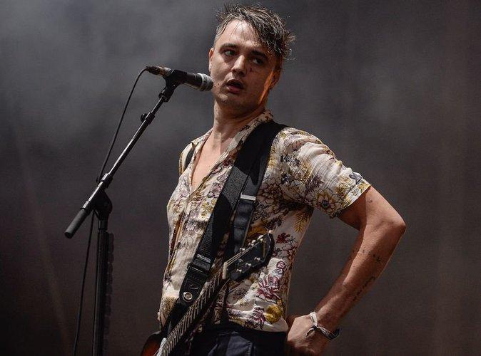 Pete Doherty: le rockeur nu sur Twitter !