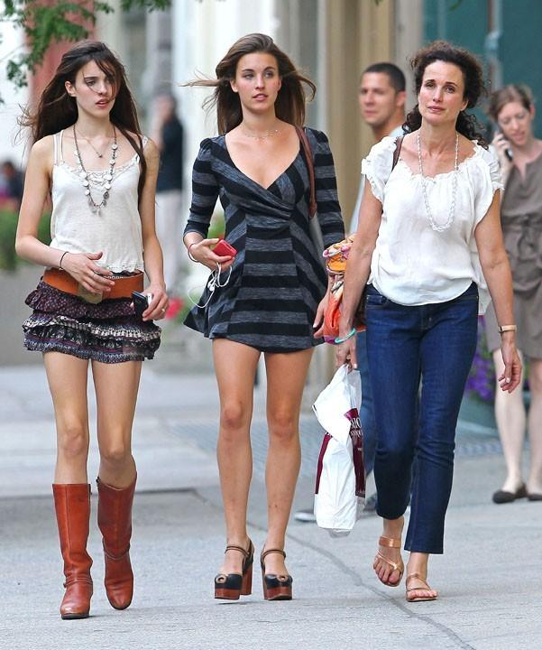 Andie MacDowell et ses filles Sarah et Rainey à New York, le 1er août 2011.
