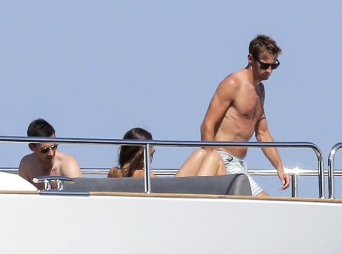 Jenson Button : le beau gosse de la F1 en mode farniente avec sa jolie fiancée à Cannes !