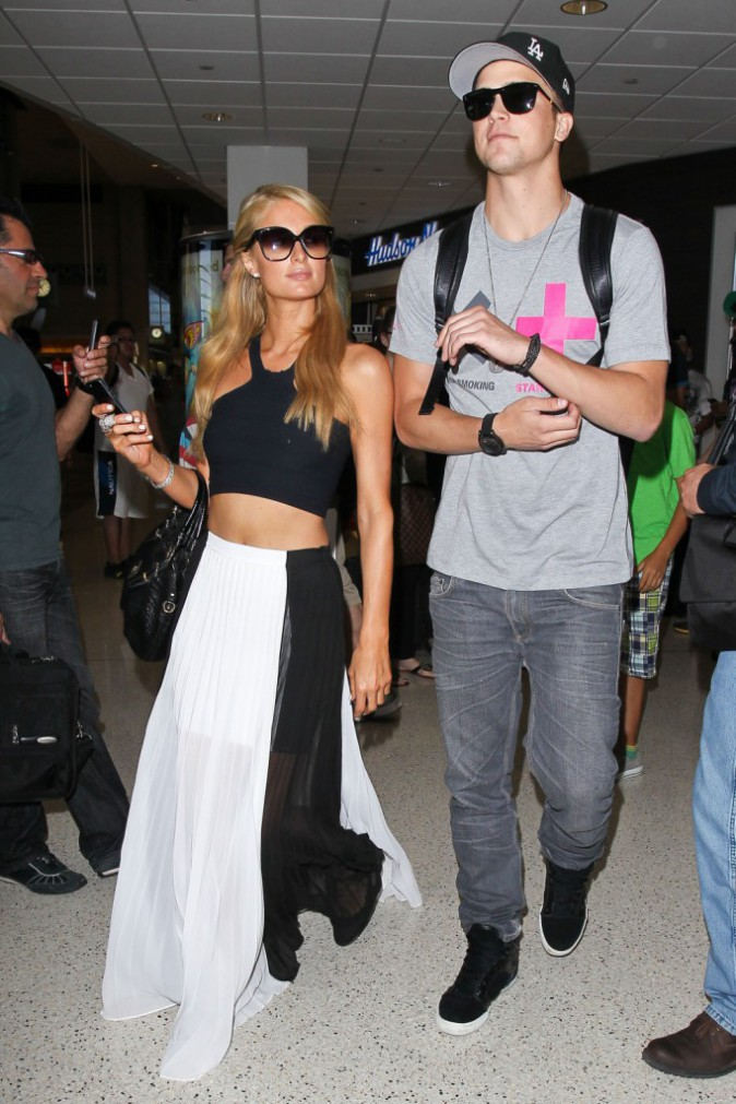 Paris Hilton à l'aéroport de Los Angeles direction Ibiza