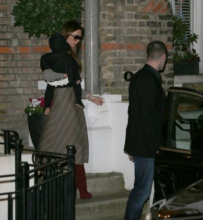 Victoria et Harper Beckham à Londres, le 22 novembre 2012.
