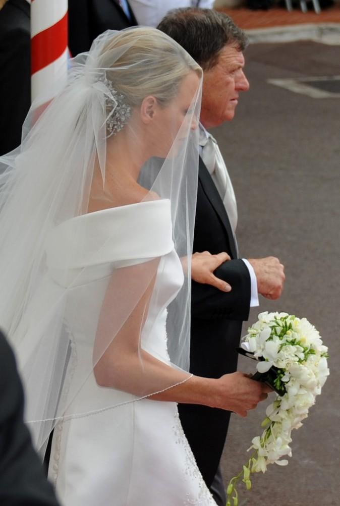 Zoom sur la mariée et son père