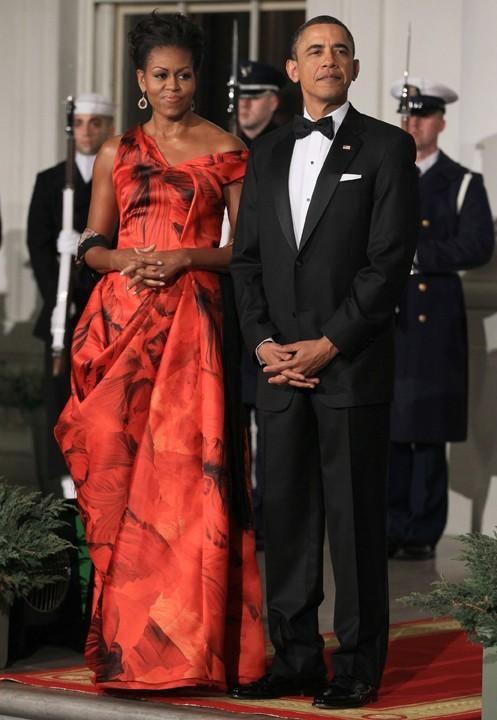 Michelle Obama porte du McQueen et scandalise l'Amérique parce qu'elle n'a pas choisi un créateur U.S en janvier 2011