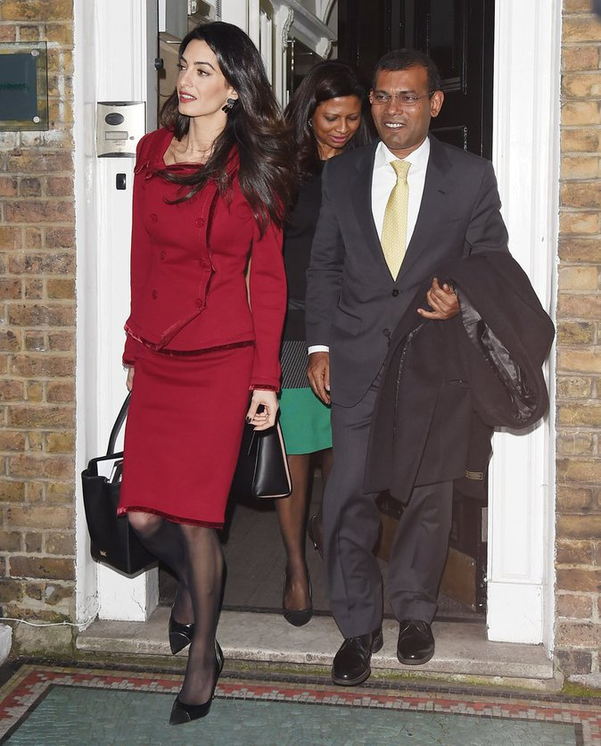 Amal Clooney : l'avocate engagée débarque à Londres plus flamboyante que jamais