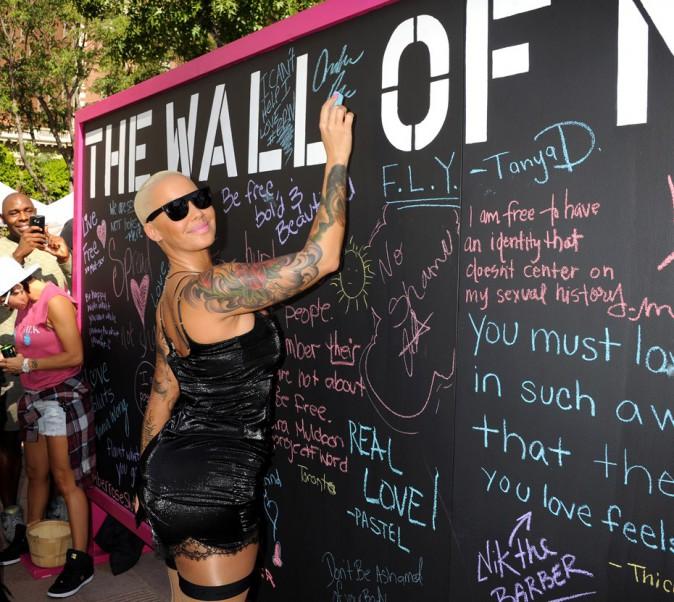 Amber Rose profite de sa Slut Walk pour régler ses comptes avec Kanye West