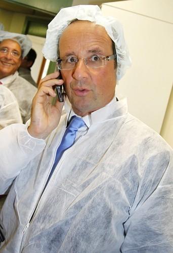 François Hollande en mode Dr Mamour...ça fait pas le même effet!