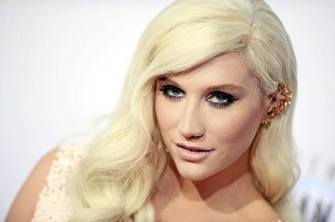 """Kesha : """"J'ai des sex friends à travers le monde."""""""