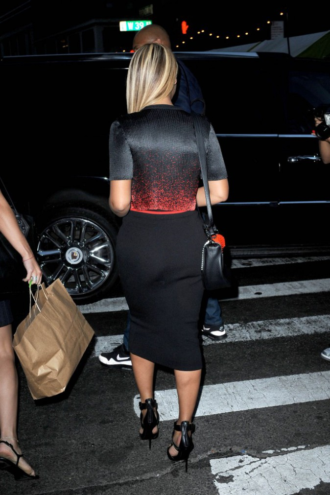 Beyoncé : pas besoin de robe de soirée pour mettre ses formes en valeur !