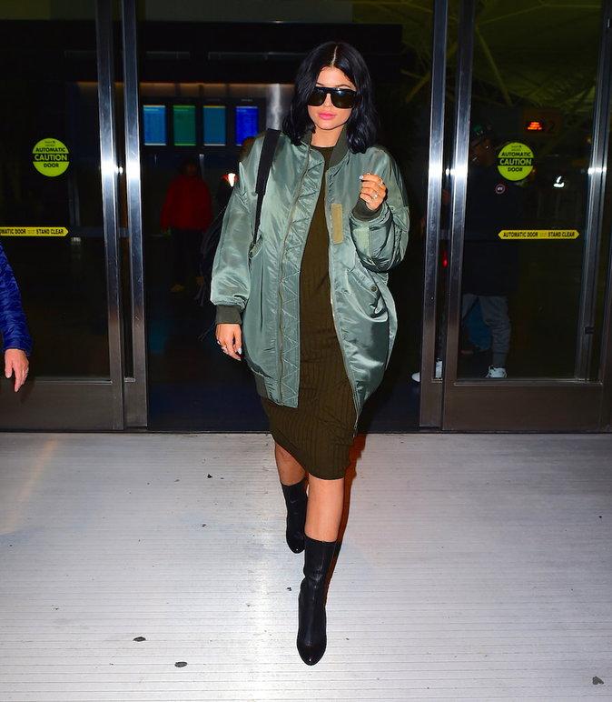Kylie Jenner et sa veste Bombers kaki