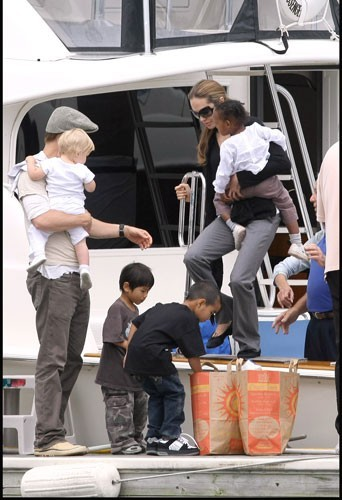 2007 : La famille Jolie-Pitt sur au Lac de Michigan