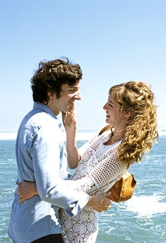 Marc Marronnier (Gaspard Proust) et Alice (Louise Bourgoin)
