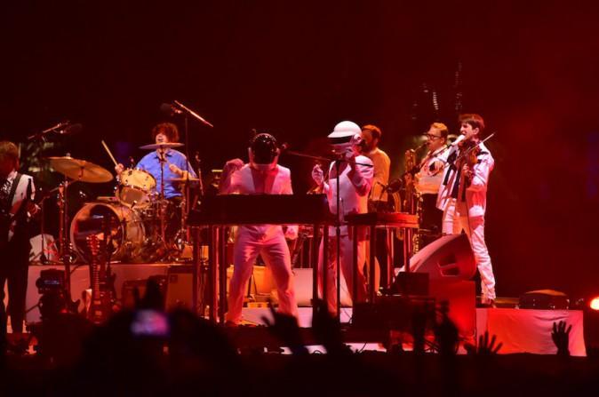 Les faux Daft Punk guests du concert de Arcade Fire à Coachella