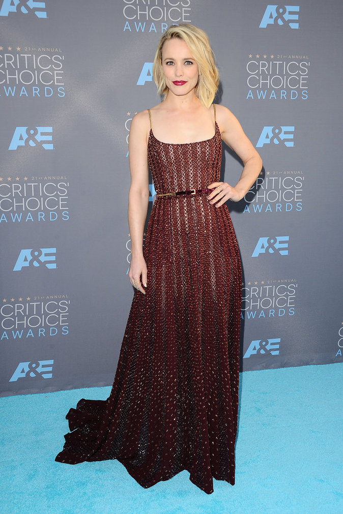 Rachel McAdams, resplendissante aux Critics Choice Awards