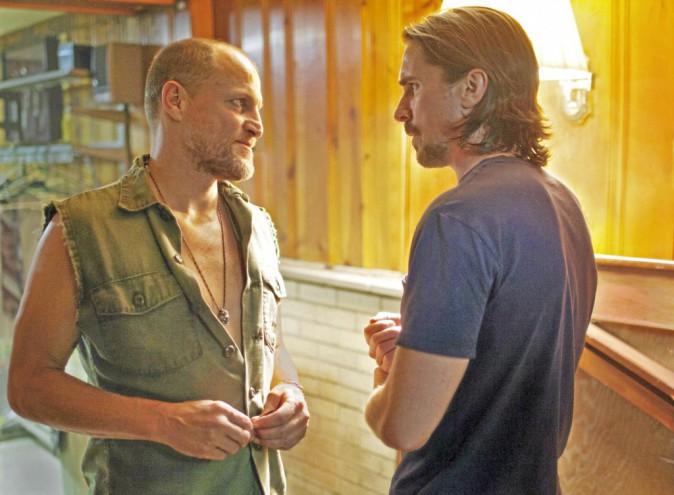 Les Brasiers de la colère de Scott Cooper, avec Christian Bale et Woody Harrelson (1h56)
