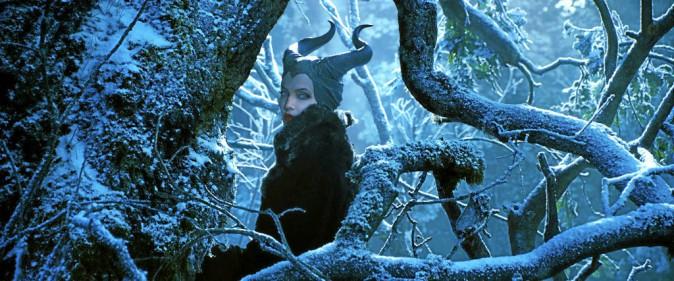 Maléfque de Robert Stromberg avec Angelina Jolie et Elle Fanning (1h37)